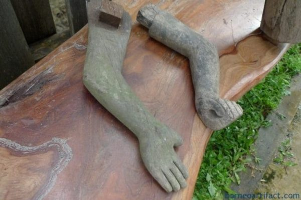 STRANGE ARM DAYAK STATUE, STRANGE ARM 1060mm DAYAK STATUE Tribal Figure Sculpture Borneo Dyak Authentic