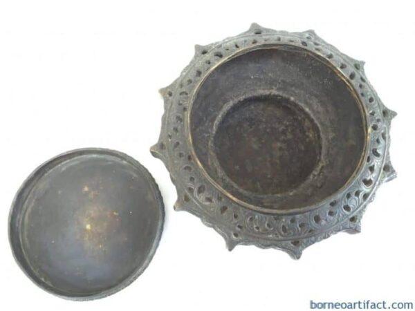 Antique Brunei LENGGUAI BRASS CONTAINER Betel Nut Dayak Heirloom Jewelry Bowl