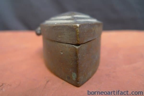 BETEL NUT BOX Container Bunker, ANTIQUE JEWELRY / COIN / GOLD / BETEL NUT BOX Container Bunker Storage Borneo