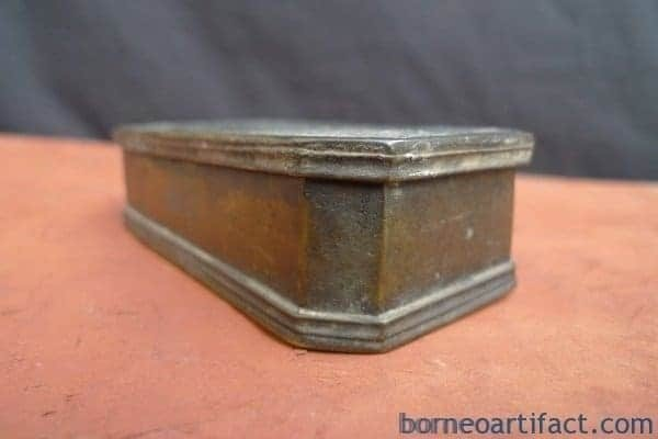 BETEL NUT BOX Container, #2 ANTIQUE JEWELERY / COIN / GOLD / BETEL NUT BOX Container Bunker Storage Borneo