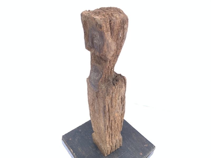 ANTIQUEERODEDSTATUEAncestralGuardianPoleImageIconSculptureBorneo#