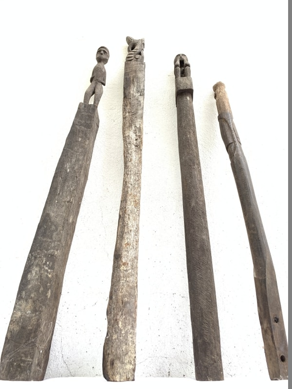 4 ANTIQUE AUTHENTIC 610-790mm GUARDIAN POLE Dayak Eroded outdoor Statue Primitive Figure