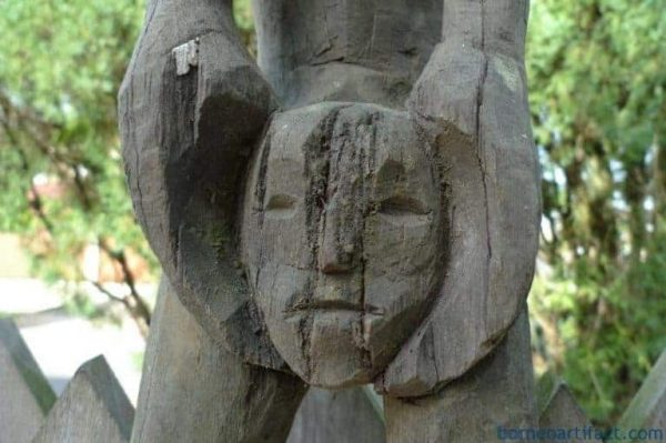 AMPUTATED HEAD Statue