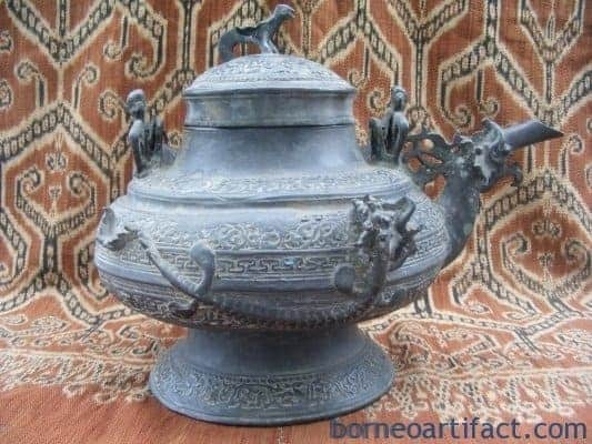 Antique BRUNEI KETTLE, TWO RARE Protuding Naga ~ Antique BRUNEI KETTLE Teapot Metal Casting Artifact
